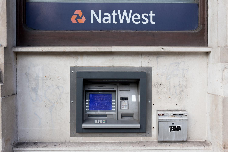 Distributeur d'argent, appelé ATM